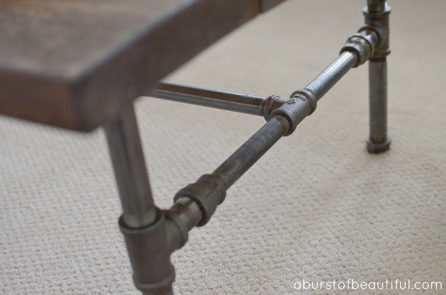 DIY Rustic Industrial Pipe Coffee Table