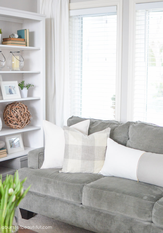 Farmhouse Living Room Neutral Colors