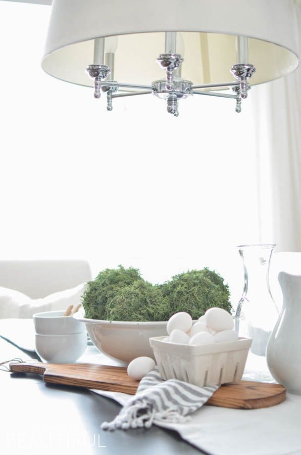 DIY Moss Balls make a beautifully organic centrepiece on a rustic farmhouse dining table. Learn how to make these simple DIY Moss Balls in three easy steps | A Burst of Beautiful