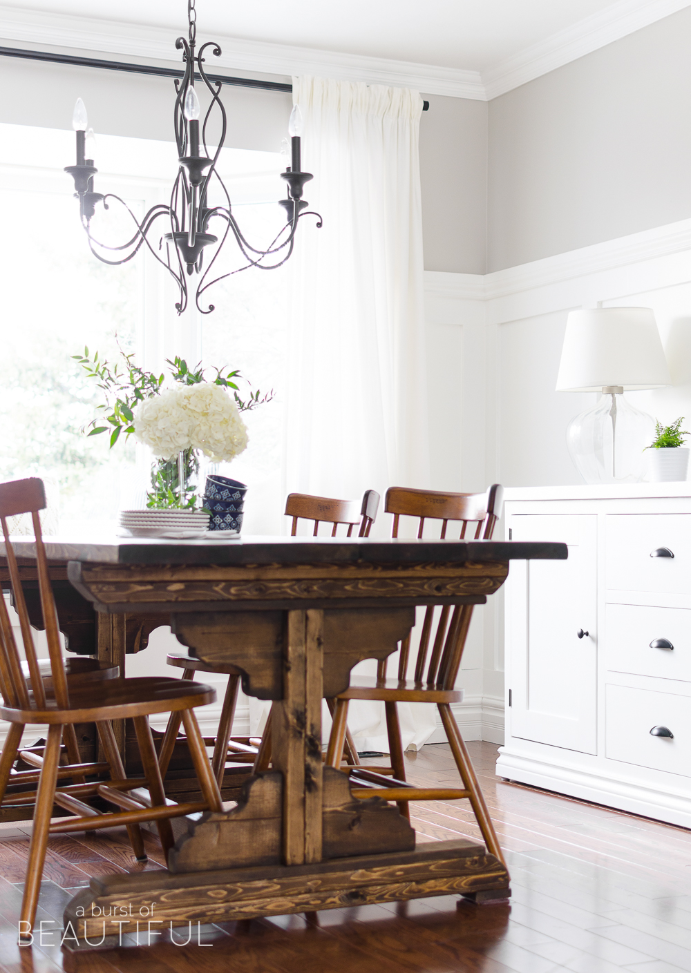Get the Look | A bright and airy modern farmhouse dining room.