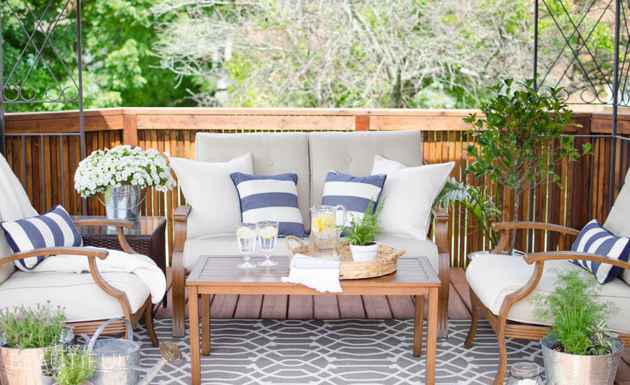 Tips for creating a cozy outdoor living space video a for Creating an outdoor living space