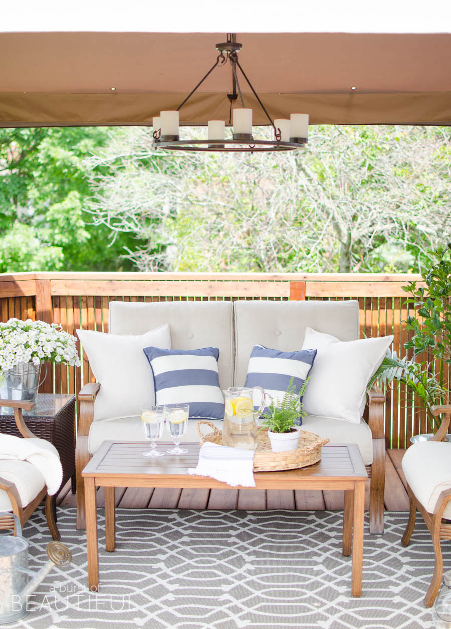 Tips for creating a cozy outdoor living space 4278 a for Cost of outdoor living space