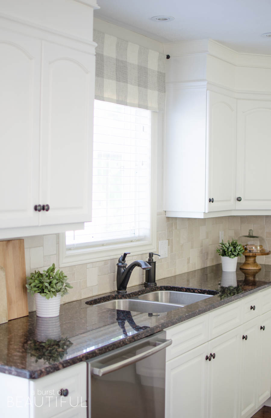 Exceptionnel A Window Valance Made From Neutral Buffalo Check Fabric Compliments This  Simple Farmhouse Kitchen Perfectly.
