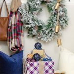 Simple Christmas Entryway