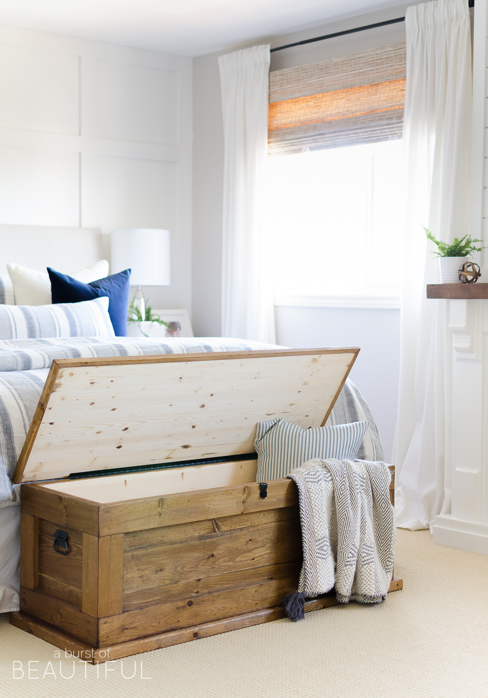 Genial This DIY Blanket Storage Chest Will Fit Beautifully Into Any Space And  Provides Great Additional Storage