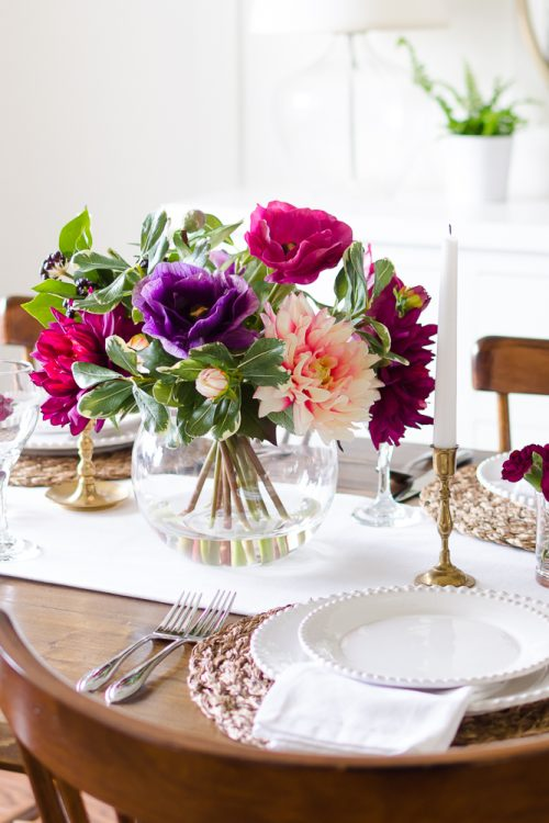 A Simple and Vibrant Mother's Day Table Setting