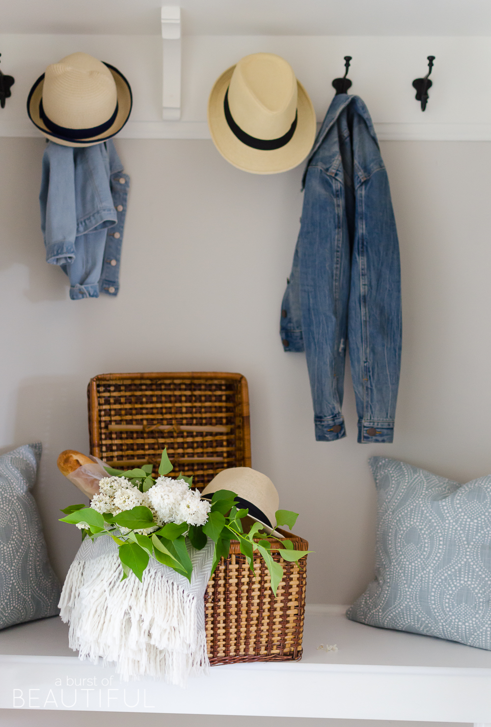 Summer Home Tour | Easy Summer Entryway