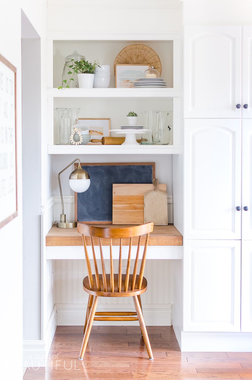 Take a tour of this modern farmhouse kitchen and mudroom featuring subtle fall touches.
