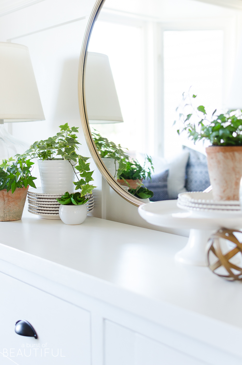 Simple Spring Decorating Ideas - A Burst of Beautiful