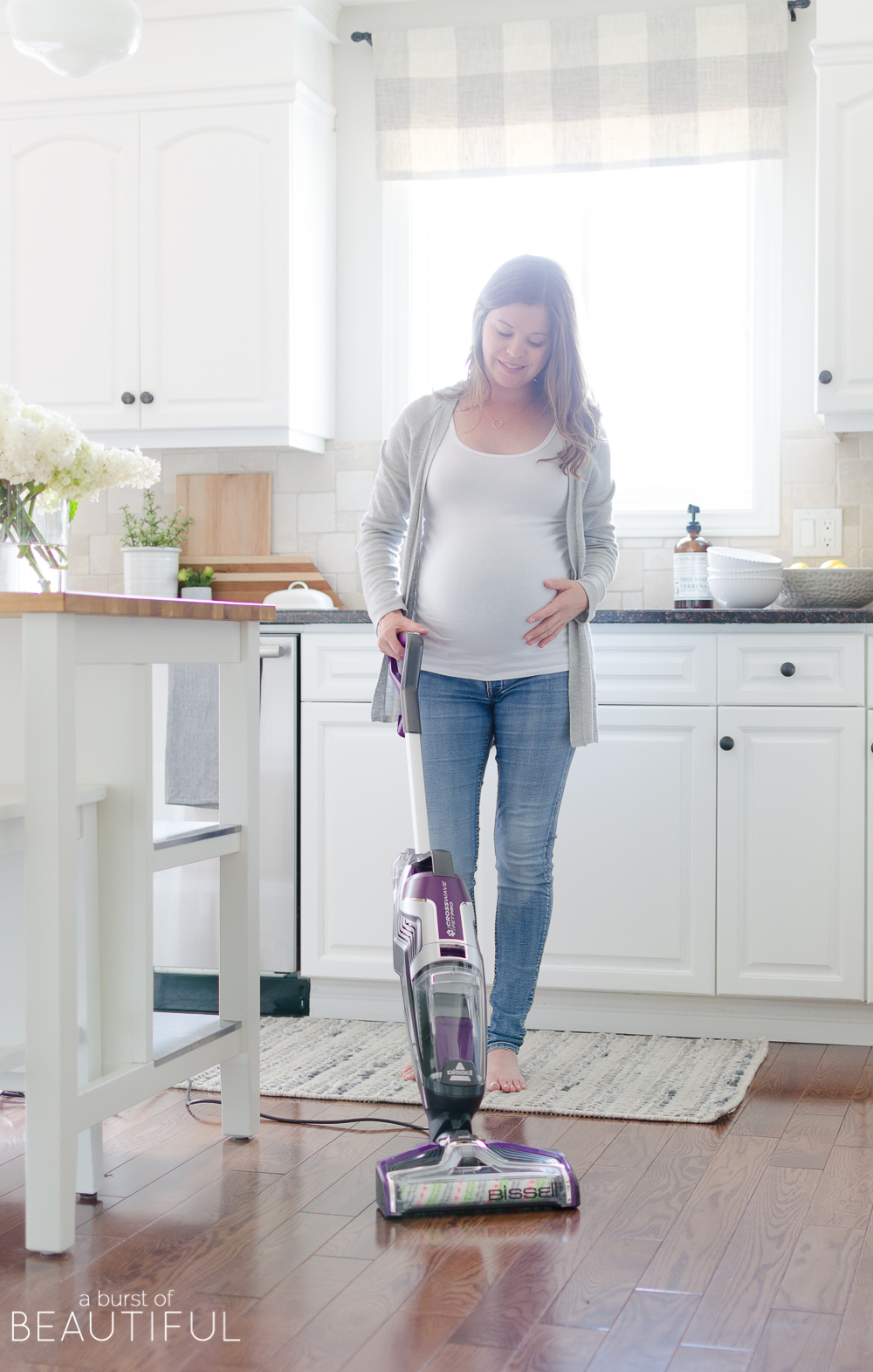 Simple and easy cleaning tips to save you time while keeping your home clean and organized