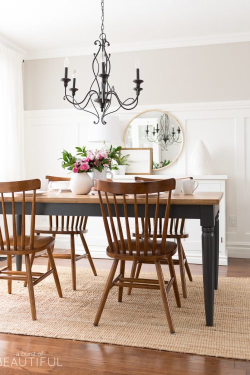 Simple and Inviting Tablescape