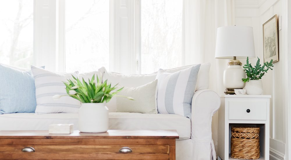 How to Choose the Right Pillows for your Couch